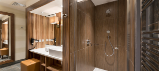 Executive apartment bathroom